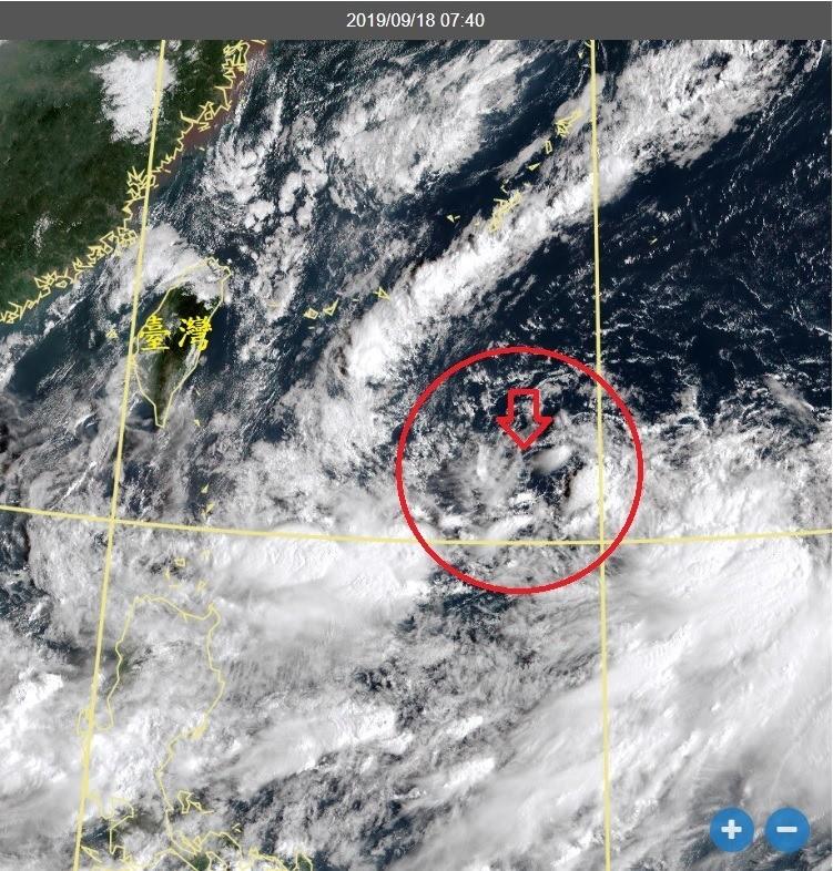 中央氣象局副局長鄭明典在臉書上以「長命渦旋」來稱呼95W,他預期這個環流還可以持續存在一陣子。(圖擷自鄭明典臉書)