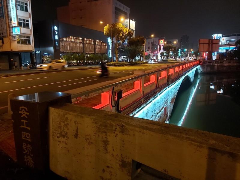 台南運河11橋樑LED光雕 明同步閃亮