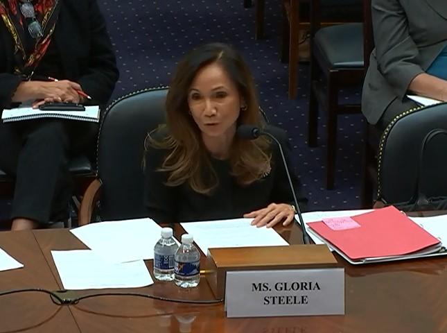 國際開發總署亞洲局代理助理局長史蒂爾(Gloria Steele)18日出席美國眾議院外交事務委員會的預算聽證會,她表示,「我們正在重新評估對索羅門群島的援助承諾」。(圖擷取自美國眾議院外交事務委員會)