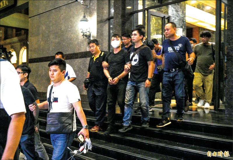 警方已逮捕33人。(記者張忠義攝)