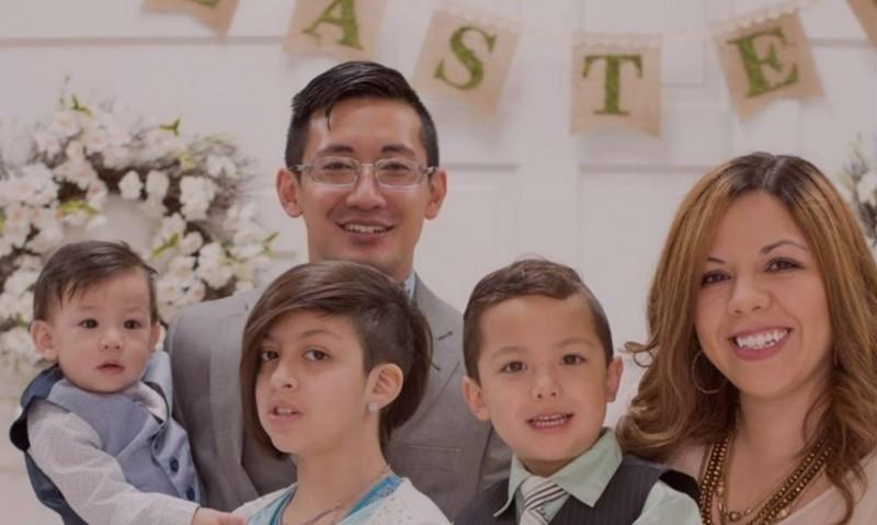 史立威醫師與家人。(黃耀發提供)