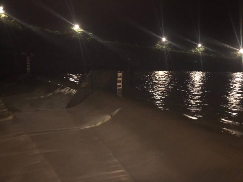 新北基隆河上游大雨 員山子今年首度分洪