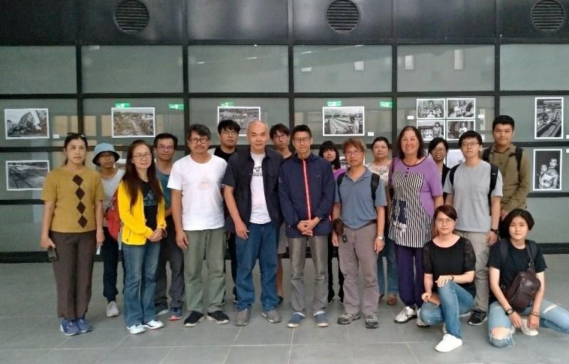國立台南藝術大學音像紀錄研究所舉辦「九二一:重返20年,靜照展覽暨紀錄片放映工作坊」。(音像所提供)