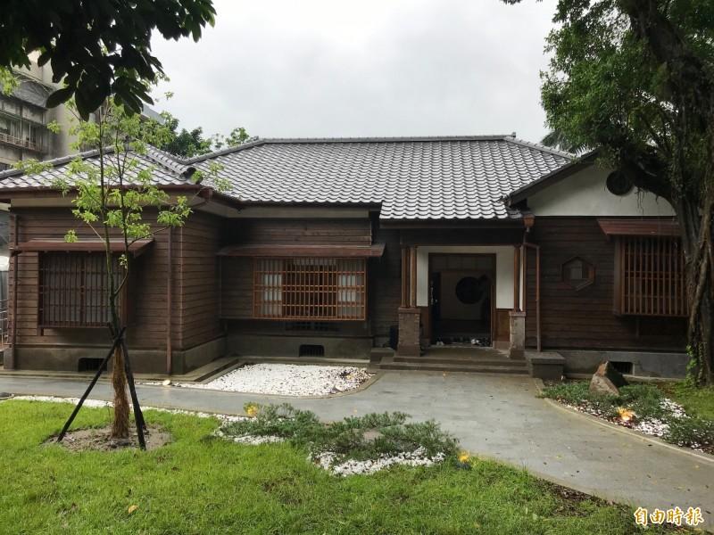 松山療養所所長宿舍歷經一年半的修復,如今恢復當年的面貌。(記者楊心慧攝)