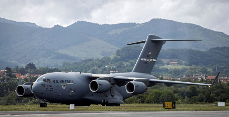 美空軍C-17運輸機直飛8000英里(約1萬2874公里),將重傷特戰士兵從阿富汗後送到美國德州搶救。C-17示意圖。(歐新社)