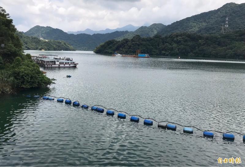 石門水庫大壩水位重返245公尺滿水位,蓄水率100%。(記者李容萍攝)
