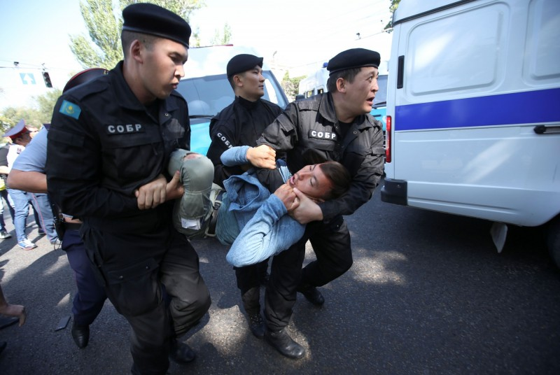 哈薩克雙城爆反中示威 至少57人被捕