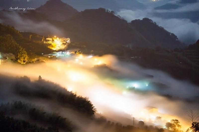 宛若人間仙境般的頂石棹琉璃光夢幻般美景。(攝影師劉博文提供)
