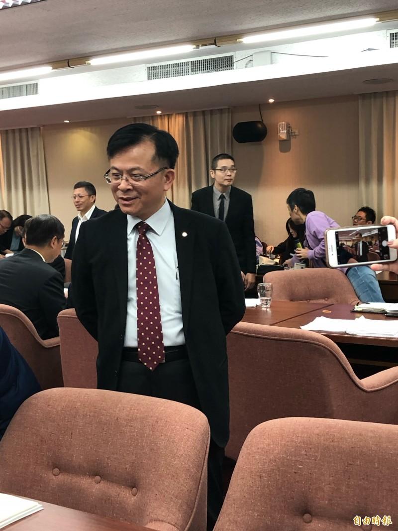 國家通訊傳播委員會代理主任委員陳耀祥透露,目前已有5家業者購買招標書。(記者羅綺攝)
