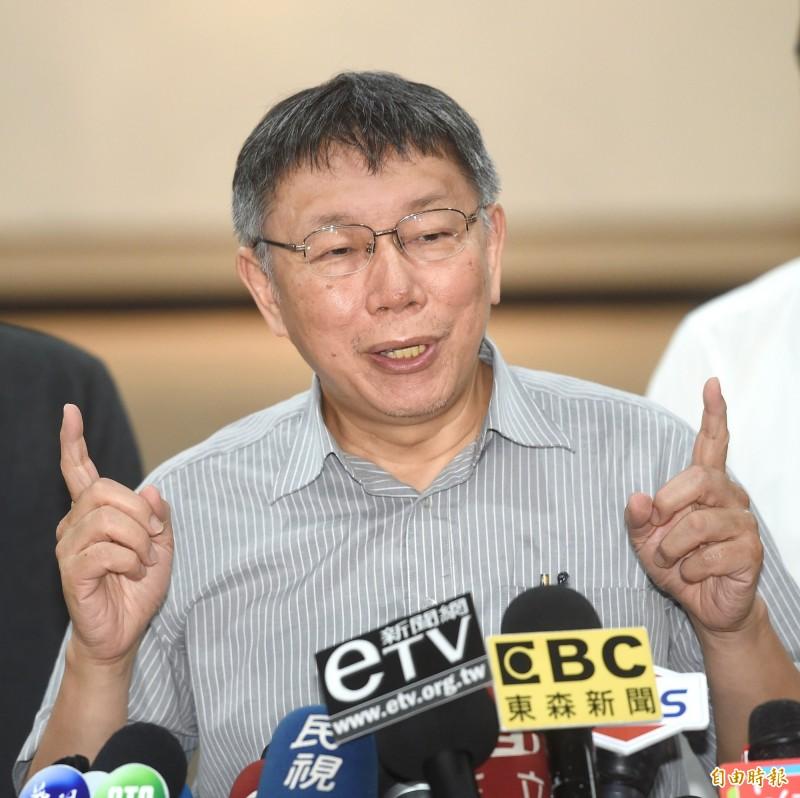 台北市長柯文哲23日接受媒體採訪。(記者方賓照攝)