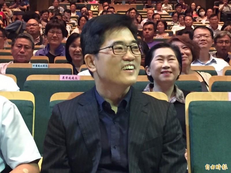 原本內定擔任郭台銘的副總統參選人、前台東縣長黃健庭,今受邀到彰化縣進行專題演講。(記者張聰秋攝)