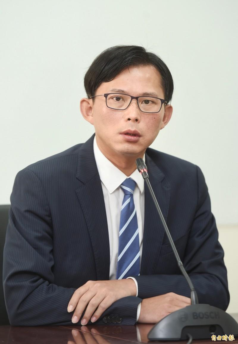 對於助理在辦公室咆哮官員一事,黃國昌在臉書道歉。(資料照)