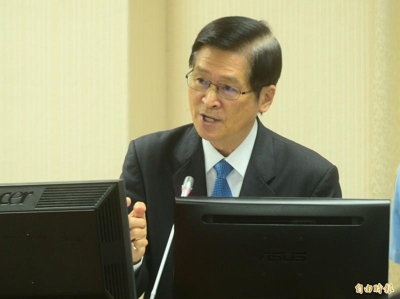 立法院國防委員會,邀請國防部長嚴德發做業務報告並備詢。(記者王藝菘攝)