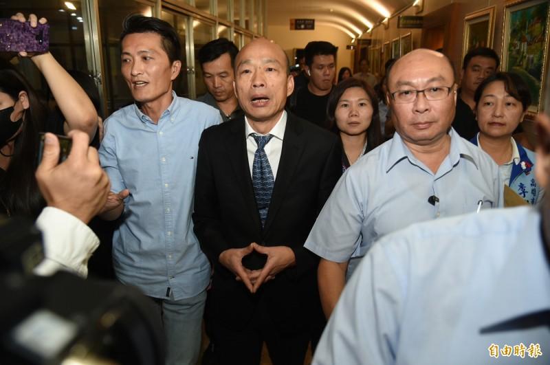 國民黨總統參選人韓國瑜民調不斷下滑,其中《旺旺中時》27日公布的最新民調顯示,總統蔡英文以39.1%支持度,大勝韓國瑜的25.4%。(資料照,記者張忠義攝)