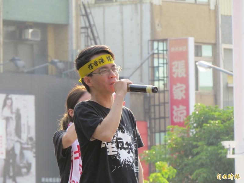 成大教授梁文韜說,「現在國民黨連站出來聲援香港都不敢,丟不丟臉啊?」(記者蔡文居攝)