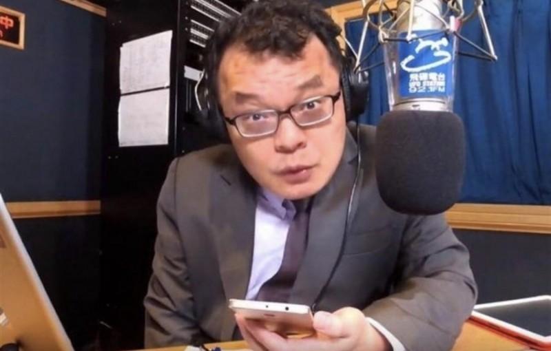 對於韓粉包圍怒罵黃捷,挺韓的名嘴陳揮文批評韓粉是在害高雄市長韓國瑜。(圖取自飛碟聯播網YouTube)