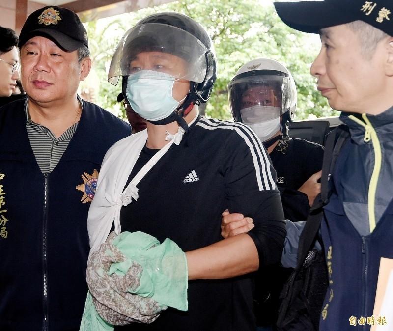 中華統一促進黨自忠黨部主委胡志偉涉嫌向香港歌手何韻詩潑紅漆,今移送地檢署後,以20萬元交保。(資料照)