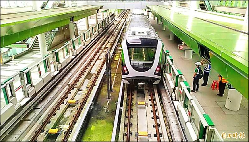 台中捷運綠線將於明年底全線通車。捷運綠線延伸大坑、彰化,市府昨天再次提報交通部審查。(記者張菁雅攝)