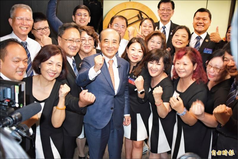 王金平昨參加國際同濟會台灣總會活動受訪時表示,郭柯結盟爭取立委席次,請他推薦立委人選,但他不方便推薦。(記者張瑞楨攝)