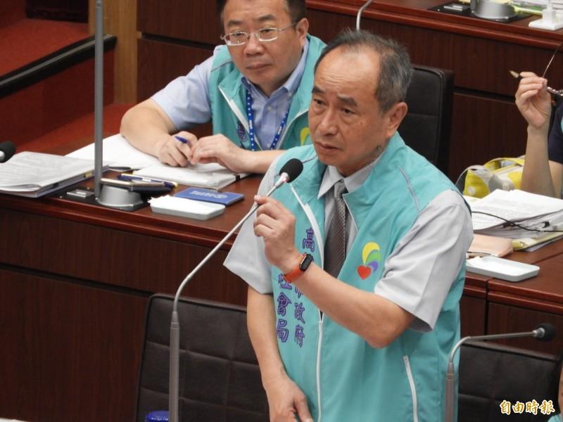 高雄市社會局長黃淵源證實「氣爆善款沒有五月天這項計畫!」(記者葛祐豪攝)