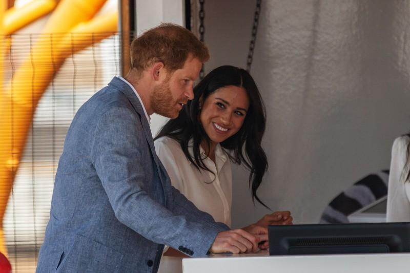 英國哈利王子愛妻梅根的私人信件遭英國小報「週日郵報」公開,目前已經提起告訴。(法新社)