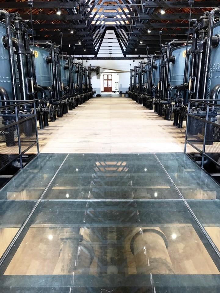 這裡不是釀酒廠!台南「山上花園水道博物館」的百年前濾淨筒設備難得一見。(南市副市長王時思提供)