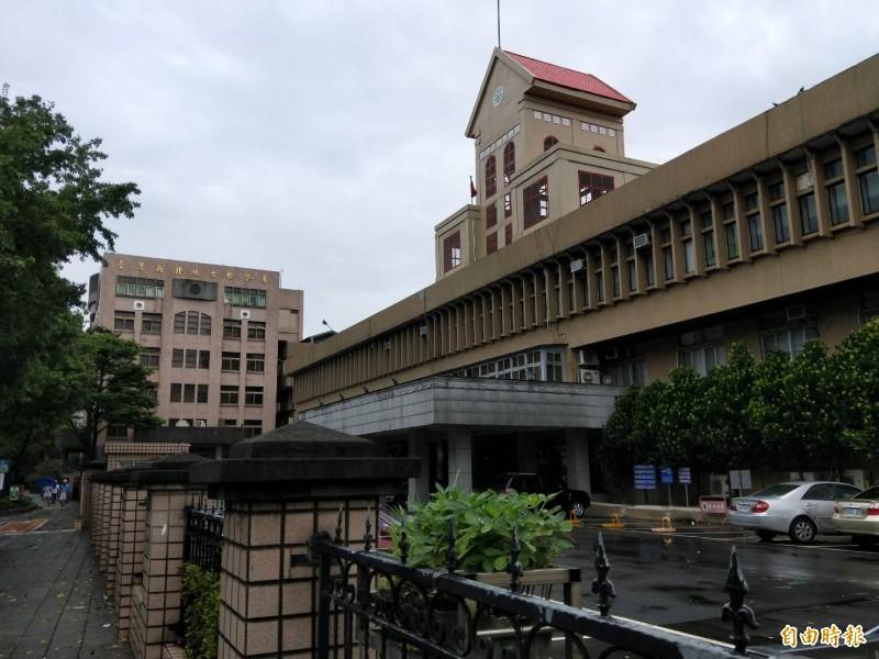 新北地檢署依違反個資法起訴陳女,其他罪嫌均予以不起訴。(記者陳慰慈攝)