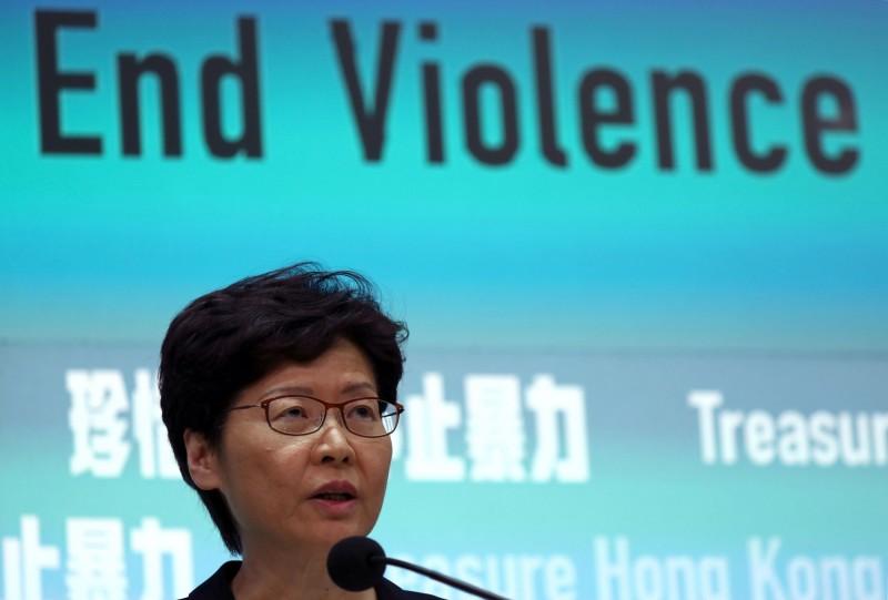 香港特首林鄭月娥宣布將實施《禁蒙面法》,明(5)日零時起生效。(路透)