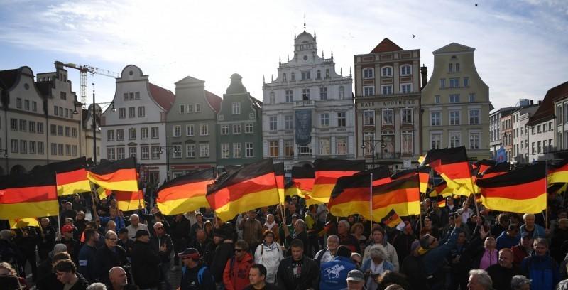 日前德國民眾發起「請求德國與中華民國(台灣)建立外交關係」請願案,目前該案連署人數已達標,我駐德代表謝志偉表示,德方今(4)日正式確認該提案達到法定門檻。(法新社)