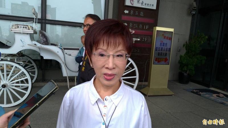 台南市第六選區國民黨立委參選人洪秀柱自曝上次被提名選總統時,因拒絕赴美國訪問,後來自己受到傷害。(記者王俊忠攝)