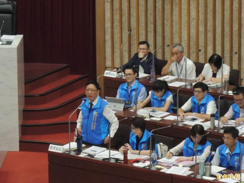 高市教育局長吳榕峰發出豪語,市長若當選、校園雙機兩年就裝好。(記者王榮祥攝)
