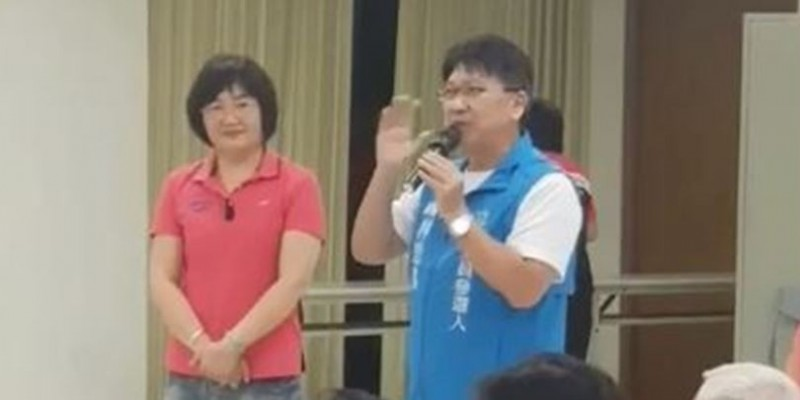 國民黨新竹縣立委參選人林思銘對選民指出,民法去年被立法院強行修改,台灣現在沒有一夫一妻制。(圖擷取自影片)