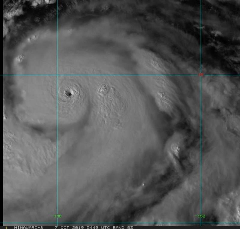 哈吉貝的颱風眼清晰可見。(圖擷取自賈新興臉書)