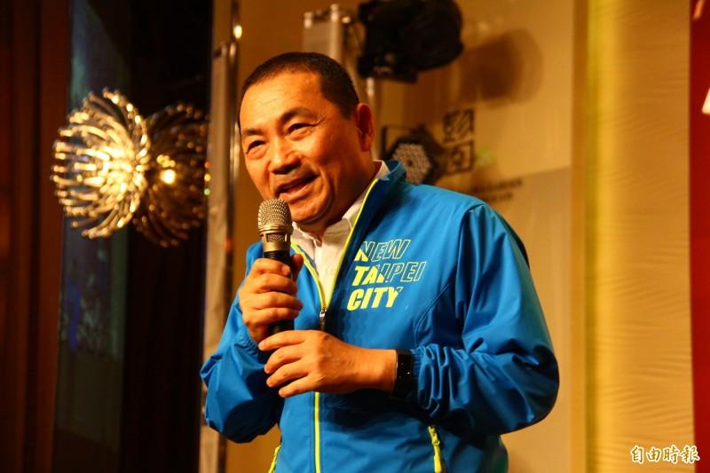 前警大教授葉毓蘭不滿新北市10日不辦升旗典禮,在臉書砲轟市長侯友宜。(記者邱書昱攝)