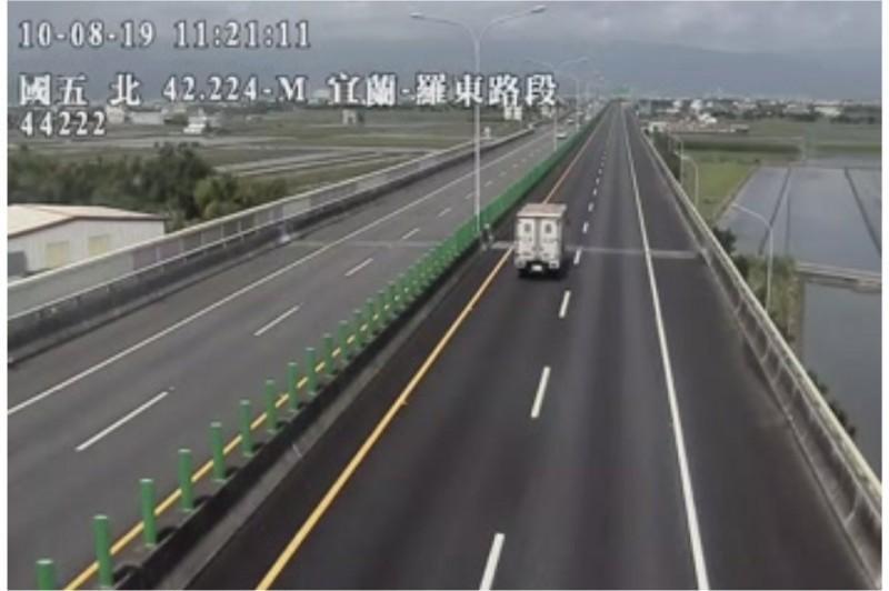 陳男在國五南下42公里處,被警方攔查。(記者張議晨翻攝)