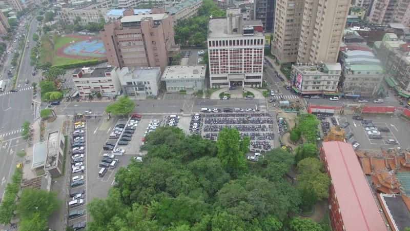 捷運土城站目前周邊有區公所、衛生局及警察局。(新北市城鄉發展局提供)