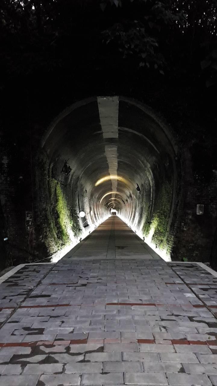 舊五堵隧道改成自行車道,即日起開放通行。(立委蔡適應服務處提供)