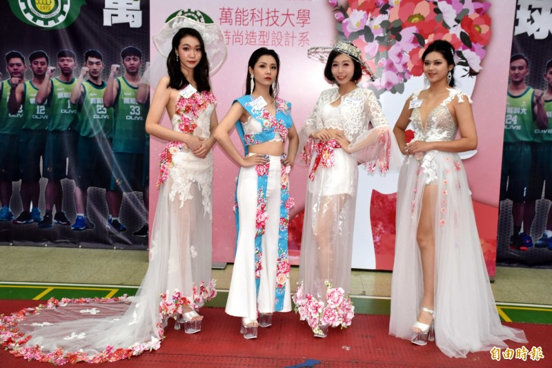 亞洲盃時尚造型創意競賽,融入台灣客家文化元素,是創意競賽特色項目。(記者李容萍攝)