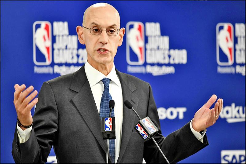 針對美國職籃NBA休士頓火箭隊總經理莫雷的挺香港言論惹惱中國,NBA總裁席爾瓦八日在東京表示,NBA不會限制球員、僱員和老闆的言論。(法新社)