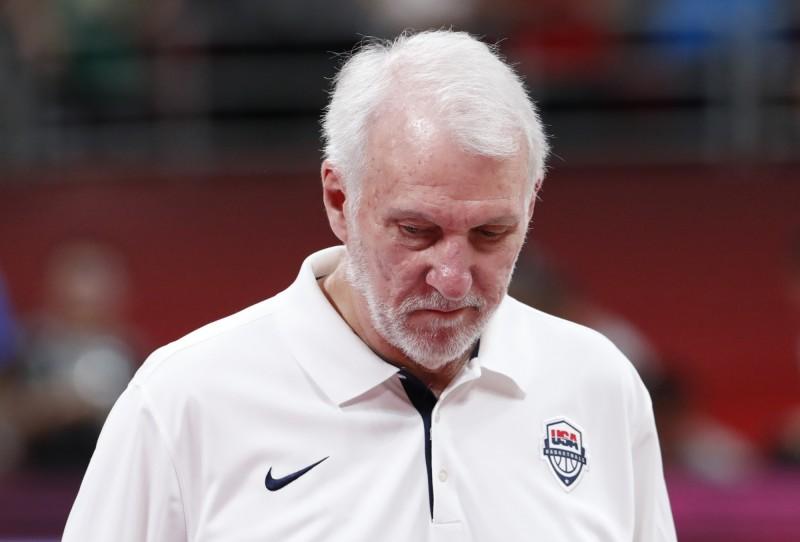 馬刺名教練帕波維奇(Gregg Popovich)受訪時力挺NBA總裁席爾瓦(Adam Silver)的「言論自由」說。沒想到竟有大量中國網民留言,詛咒帕波維奇早日與他的亡妻聚。(路透)