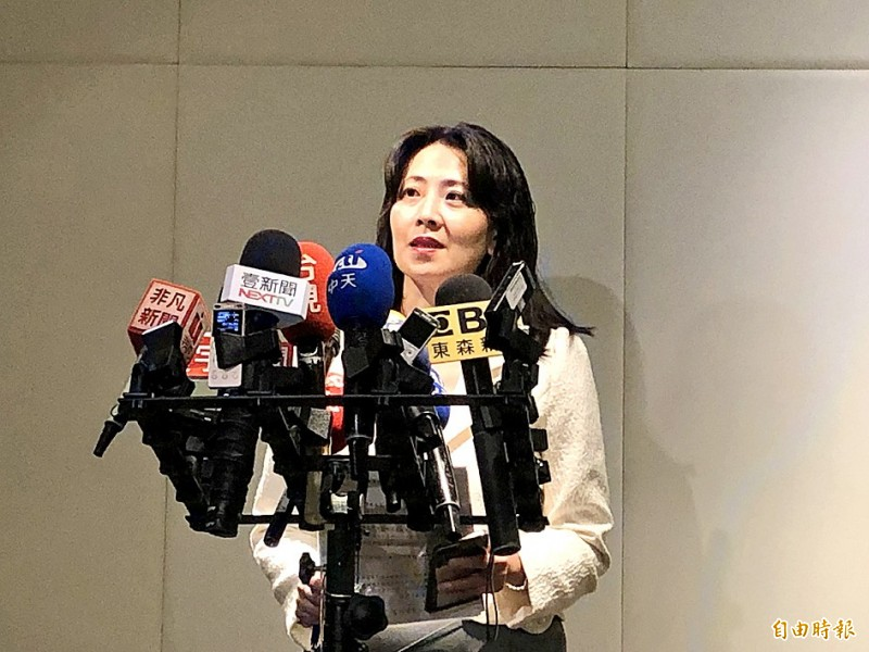 Ministry of Foreign Affairs spokeswoman Joanne Ou answers reporters' questions at a news conference at the ministry in Taipei yesterday. Photo: Lu Yi-hsuan, Taipei Times