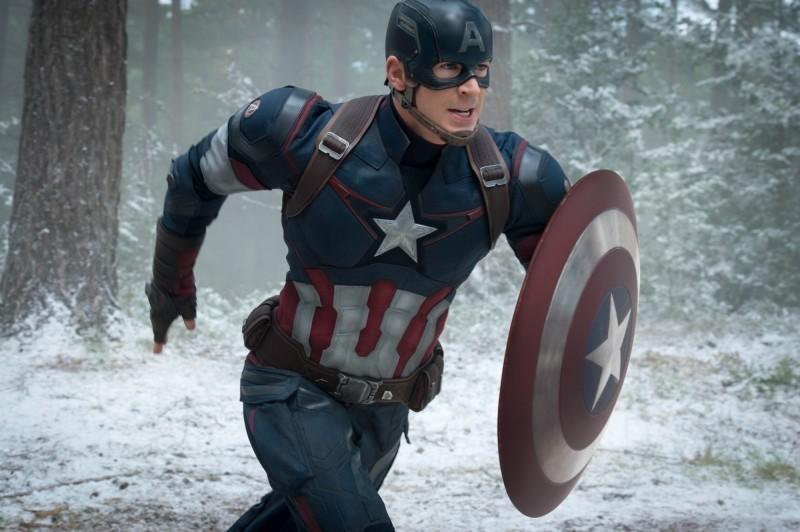 飾演「美國隊長」爆紅的美國男星克里斯伊凡呼籲民眾不要再對政治置身事外。(博偉提供)