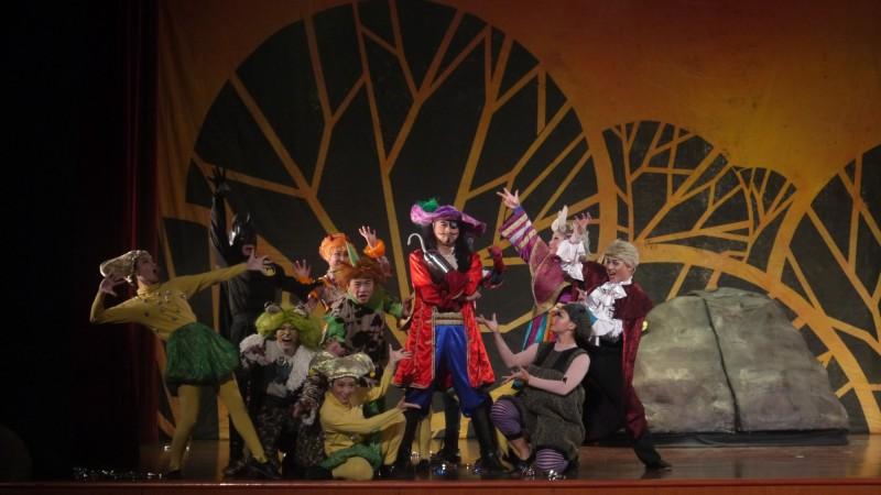紙風車劇團將於10月12日在朴子市演出「番薯森林奇遇記」,這也是屏東國慶晚會戲碼。(紙風車劇團提供)