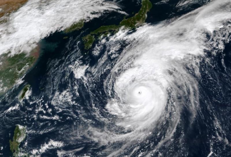「哈吉貝」7級風半徑高達350公里,是繼2008年雷馬遜颱風之後,再度有颱風擁有如此廣闊的暴風圈。(中央氣象局)