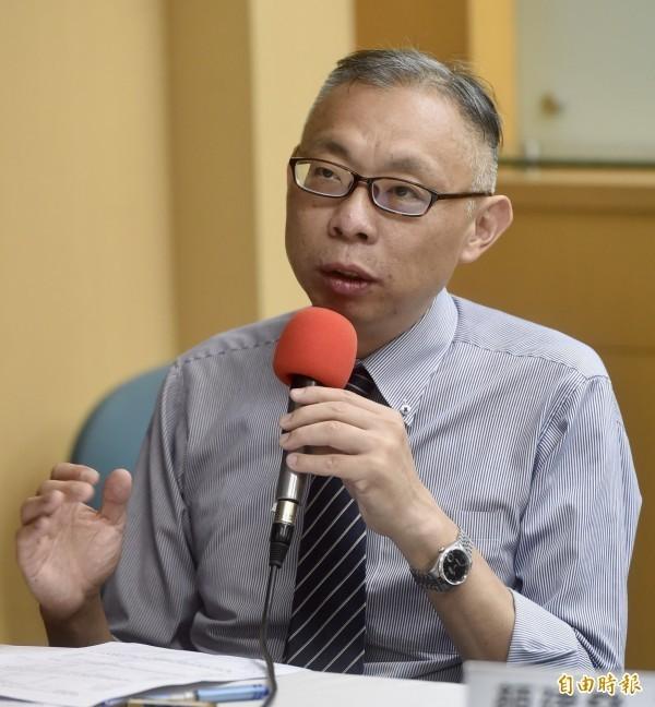 范世平點出,若蔡英文拚經濟沒問題,又是台灣守護者,中間選民要如何相信韓國瑜?(資料照)