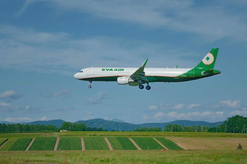 受哈吉貝颱風襲日影響,長榮今有航班提前飛。(資料照,長榮航空提供)