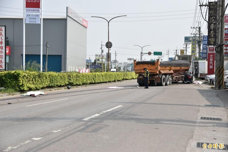 雲林縣道158線虎尾段昨天發生砂石車與機車事故,造成共乘機車的2女當場死亡。(資料照)