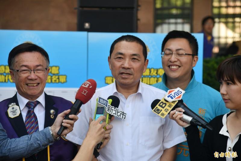 傳出新北市長侯友宜可能在選前2個月輔選國民黨總統提名人韓國瑜。侯友宜今天表示,已接近市議會總質詢的時間,將全力面對議員關心的市政議題。(記者賴筱桐攝)