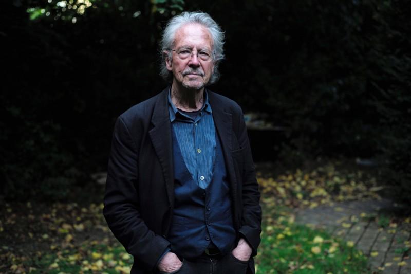 奧地利作家漢德克獲得今年諾貝爾文學獎,但過去擁護塞爾維亞強人,甚至否認大屠殺的言行,引起巴爾幹諸國及文學界的批評。(歐新社)