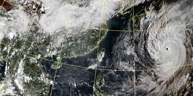 中央氣象局預報,颱風哈吉貝將在轉向時開始減弱強度。(圖擷取自中央氣象局)